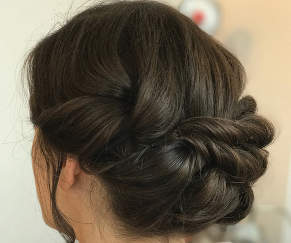 #BridalInspo : The Romantic and Soft Updo …